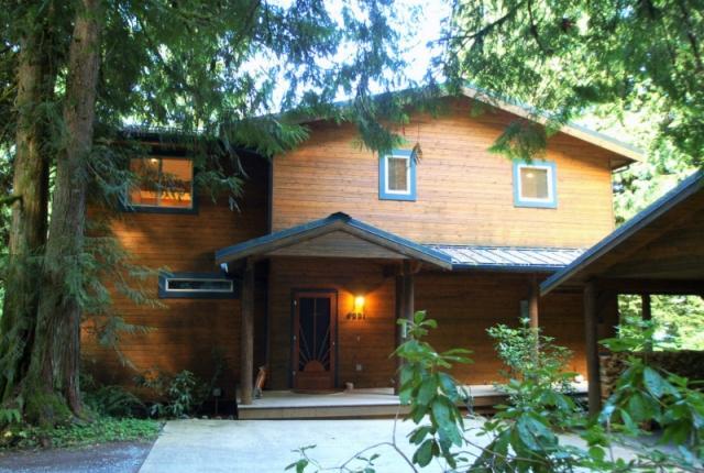 Mt. Baker Lodging Cabin #07 – LAKEFRONT, HOT TUB, BBQ, SLEEPS-10! photo 59281