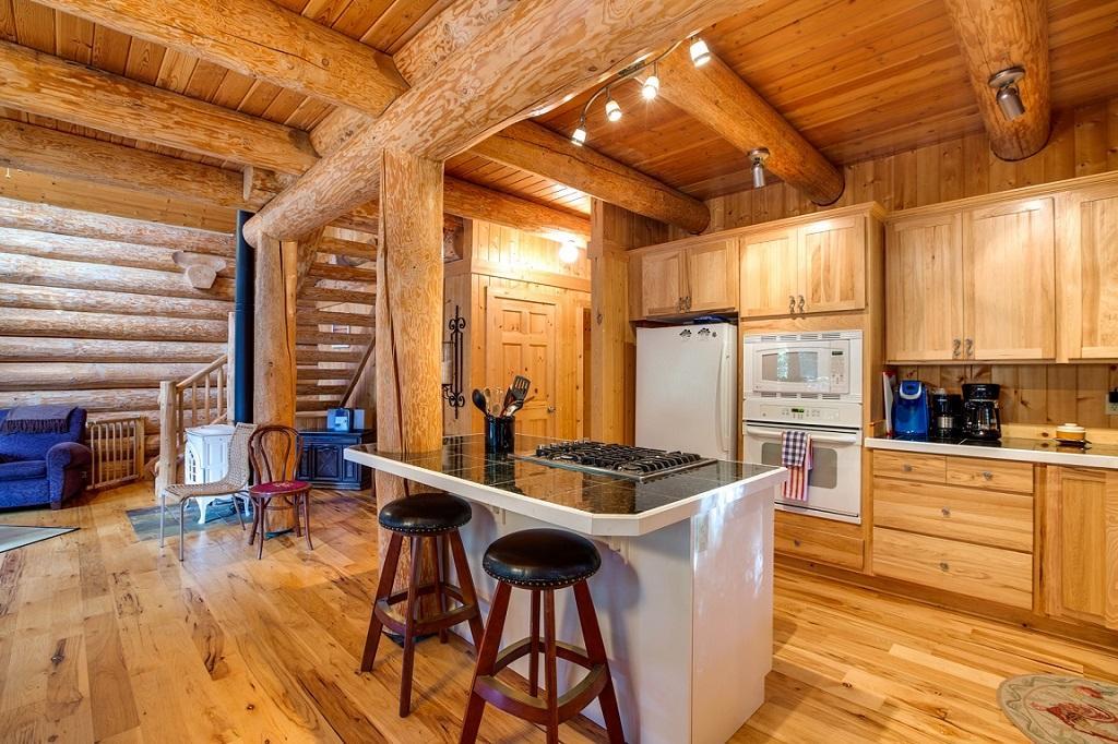Apartment Mt  Baker Lodging Cabin  33  ndash  FAMILY FUN  WIFI  HOT TUB  SLEEPS 8  photo 21417985