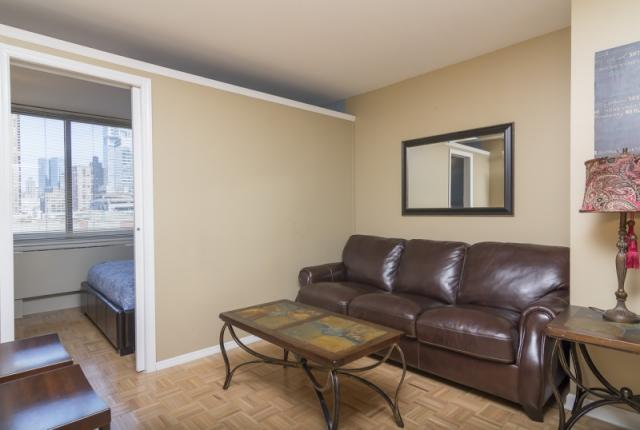 Luxurious Midtown vacation rental apartment with modern furniture. photo 51376