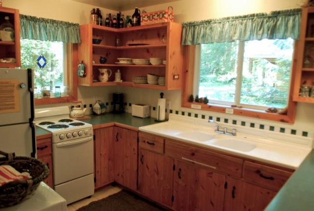 Mt. Baker Lodging Cabin #32 – WOODSTOVE, BBQ, WASHER/DRYER, PETS OK, SLEEPS-7! photo 59879