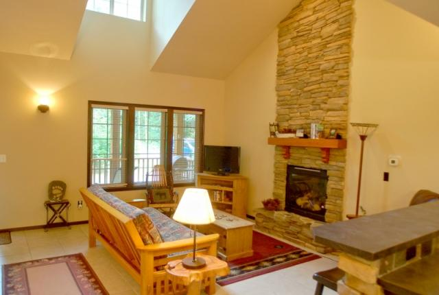 Mt. Baker Lodging Cabin #89 – HOT TUB, BBQ, PETS OK, FIREPLACES, D/W, WIFI, SLEEPS-4! photo 60908