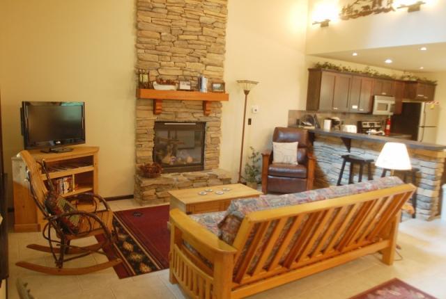 Mt. Baker Lodging Cabin #89 – HOT TUB, BBQ, PETS OK, FIREPLACES, D/W, WIFI, SLEEPS-4! photo 60909
