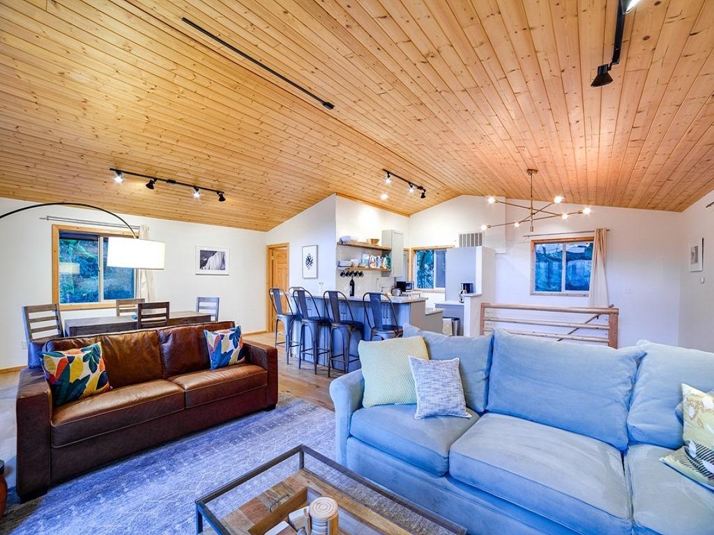 Apartment Mt  Baker Lodging Cabin  54     MT VIEW  BBQ  WIFI  D W  W D  SLEEPS-6  photo 3998648