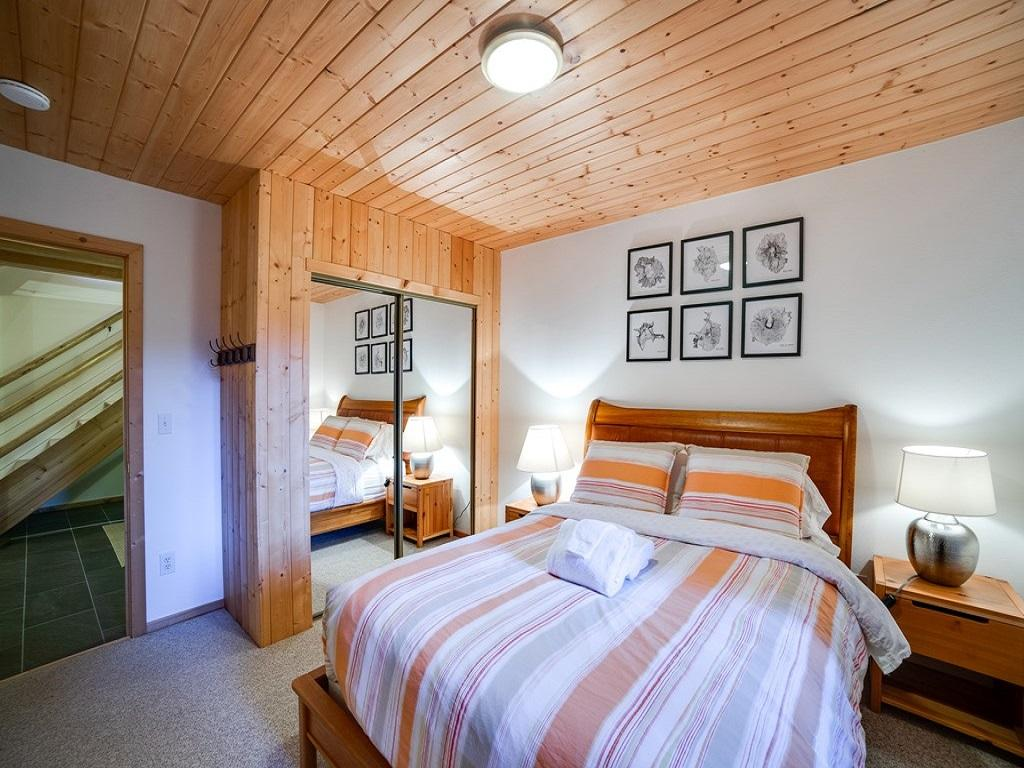 Apartment Mt  Baker Lodging Cabin  54     MT VIEW  BBQ  WIFI  D W  W D  SLEEPS-6  photo 3998637