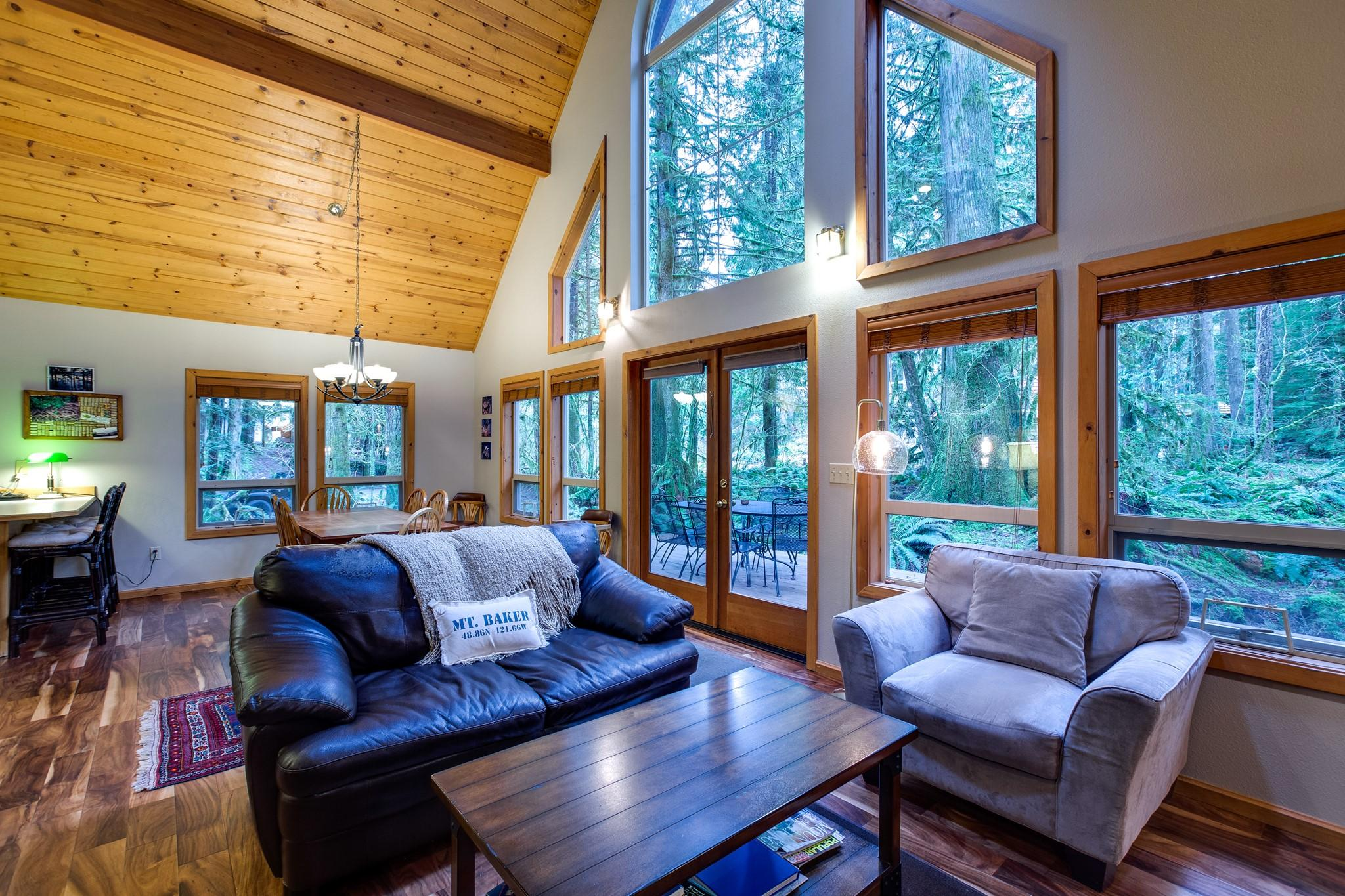 Mt. Baker Lodging Cabin#40 – HOT TUB, BBQ, PET FRIENDLY, WIFI, SLEEPS 8! photo 30888835