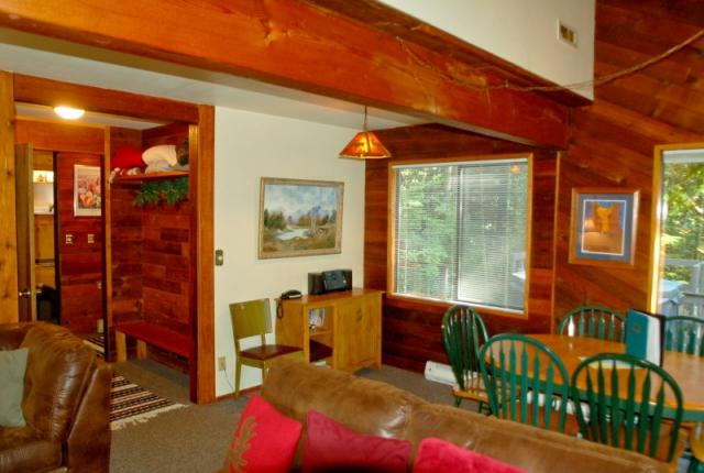 Mt. Baker Lodging Cabin #26 – HOT TUB, WIFI, GAMESROOM, BBQ, SLEEPS-8! photo 59684