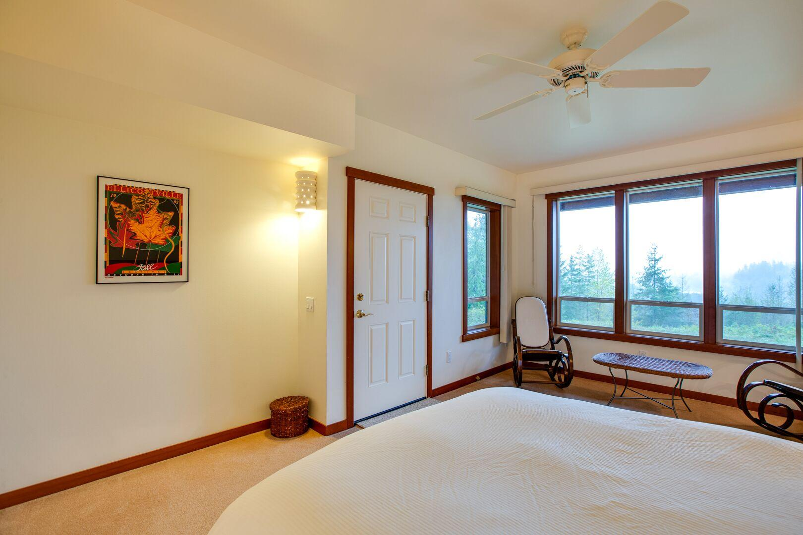 Apartment Mt  Baker Lodging Ensuite  15  ndash  MT VIEWS  HOT TUB  PETS OK  SLEEPS 6  photo 21433653
