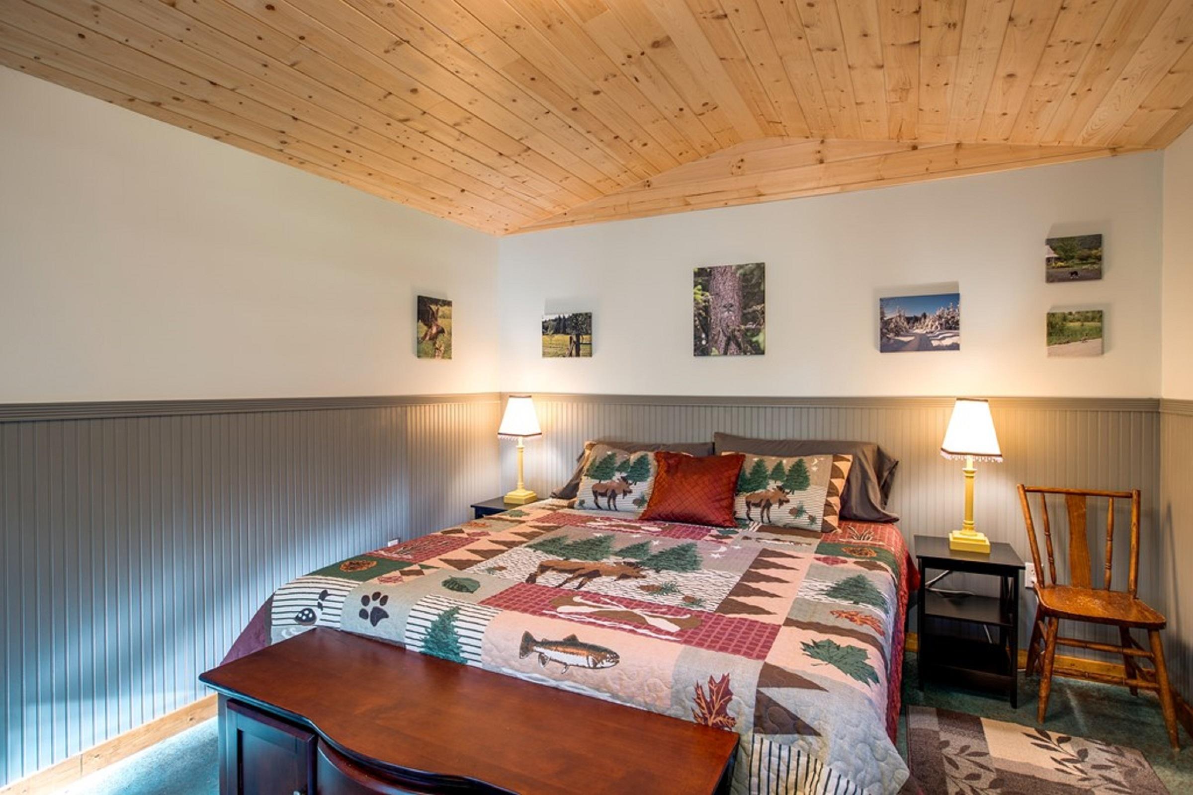 Mt. Baker Lodging Cabin #72 – PET FRIENDY, MT VIEWS, BBQ, SLEEPS 2! photo 31818157