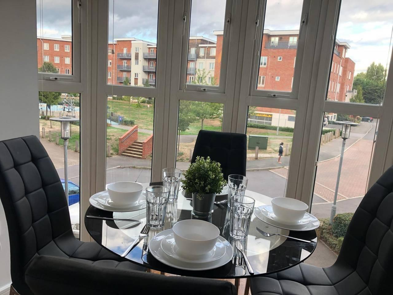 Apartment Walking distance to Maidenhead town  sleeps 3  photo 13633471