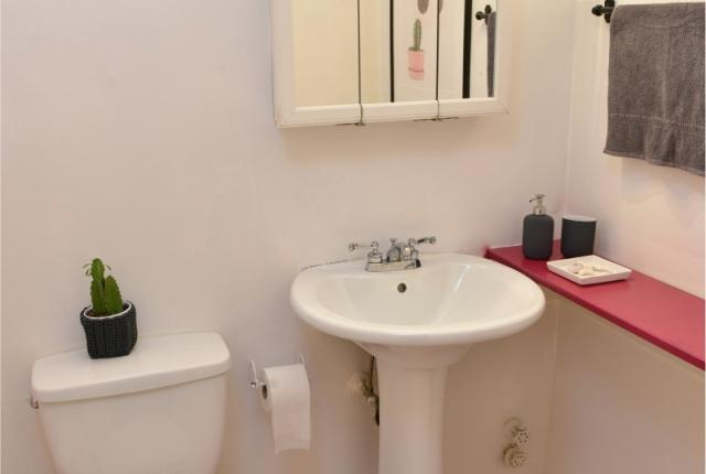 Murray Hill 2 Bedroom 1 Bathroom photo 53417