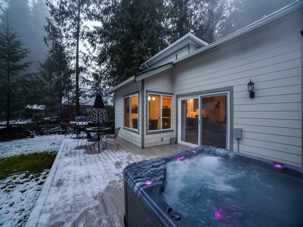 Apartment Mt  Baker Lodging Cabin  62     HOT TUB  BBQ  PETS OK  WIFI  SLEEPS-6  photo 4000760