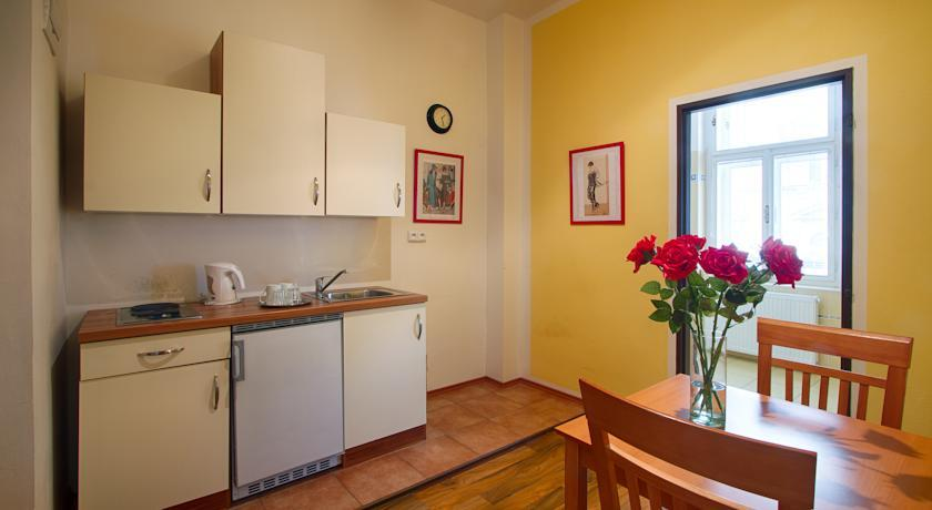 Cozy Apartment for two persons in the city center of Prague photo 31595299