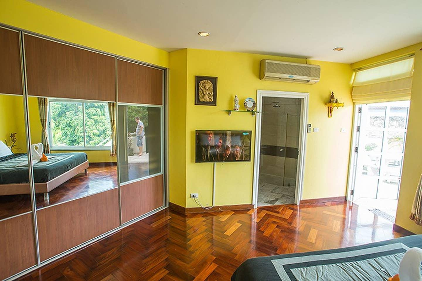 Apartment 5BR Private Pool Villa in Amazing Pattaya w Sun deck Parking photo 22534341