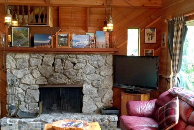 Mt. Baker Lodging Cabin #53 – HOT TUB, FIREPLACE, WIFI, D/W, W/D, SLEEPS-6! photo 60485