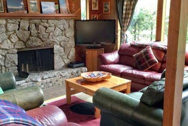 Mt. Baker Lodging Cabin #53 – HOT TUB, FIREPLACE, WIFI, D/W, W/D, SLEEPS-6! photo 60483