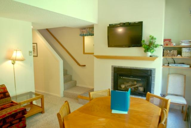 Mt. Baker Lodging Condo #38 – FIREPLACE, DISHWASHER, W/D, SLEEPS-6! photo 60066